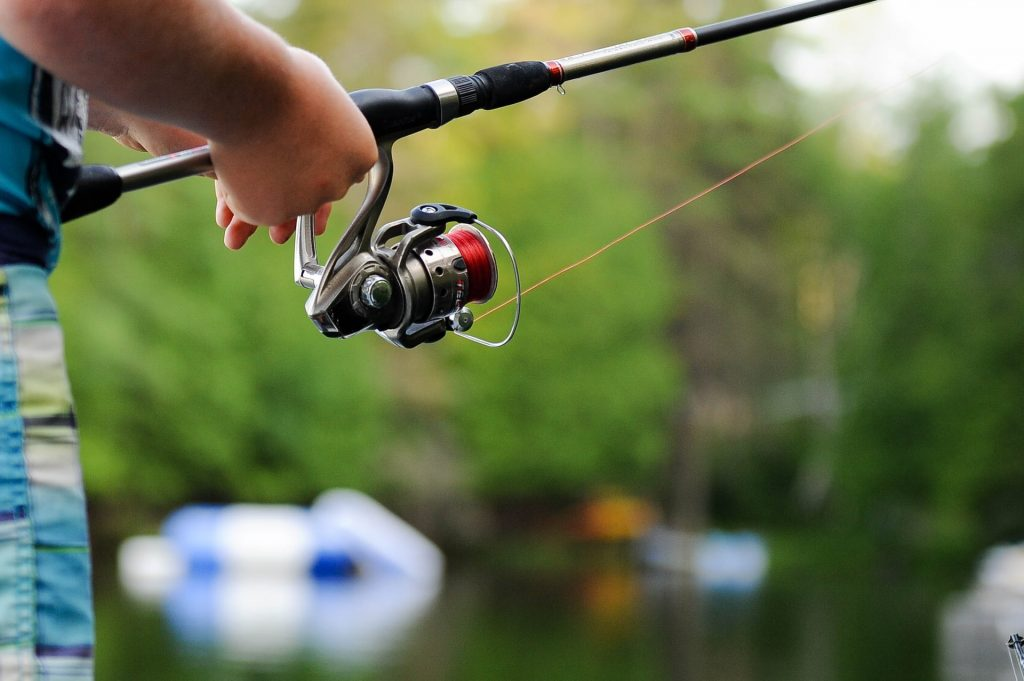 how to fish with a bait caster