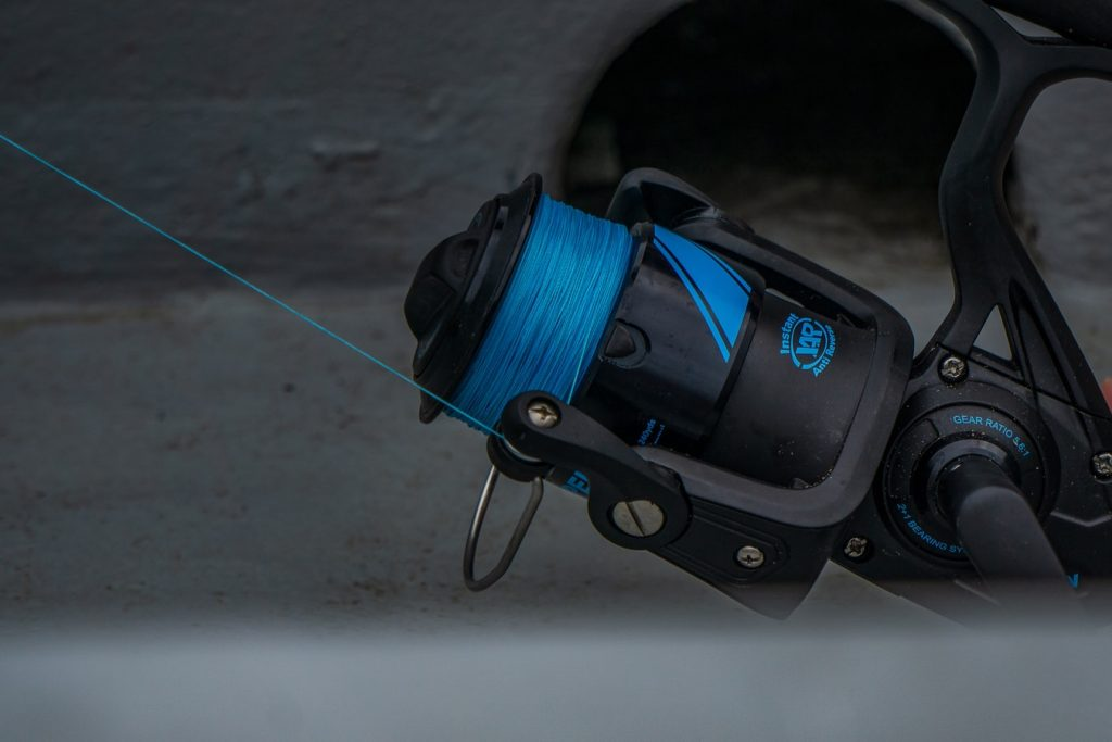 how to put new line on a fishing pole