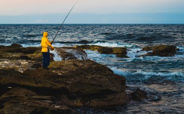 best shoes for rock fishing